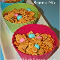 Sunny Bunny Snack Mix Recipe. Perfect for Easter!