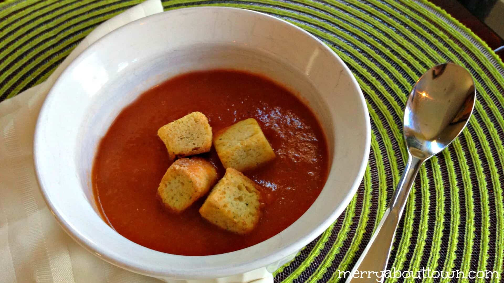 Easy Tomato Soup Recipe – Perfect for Lunch!