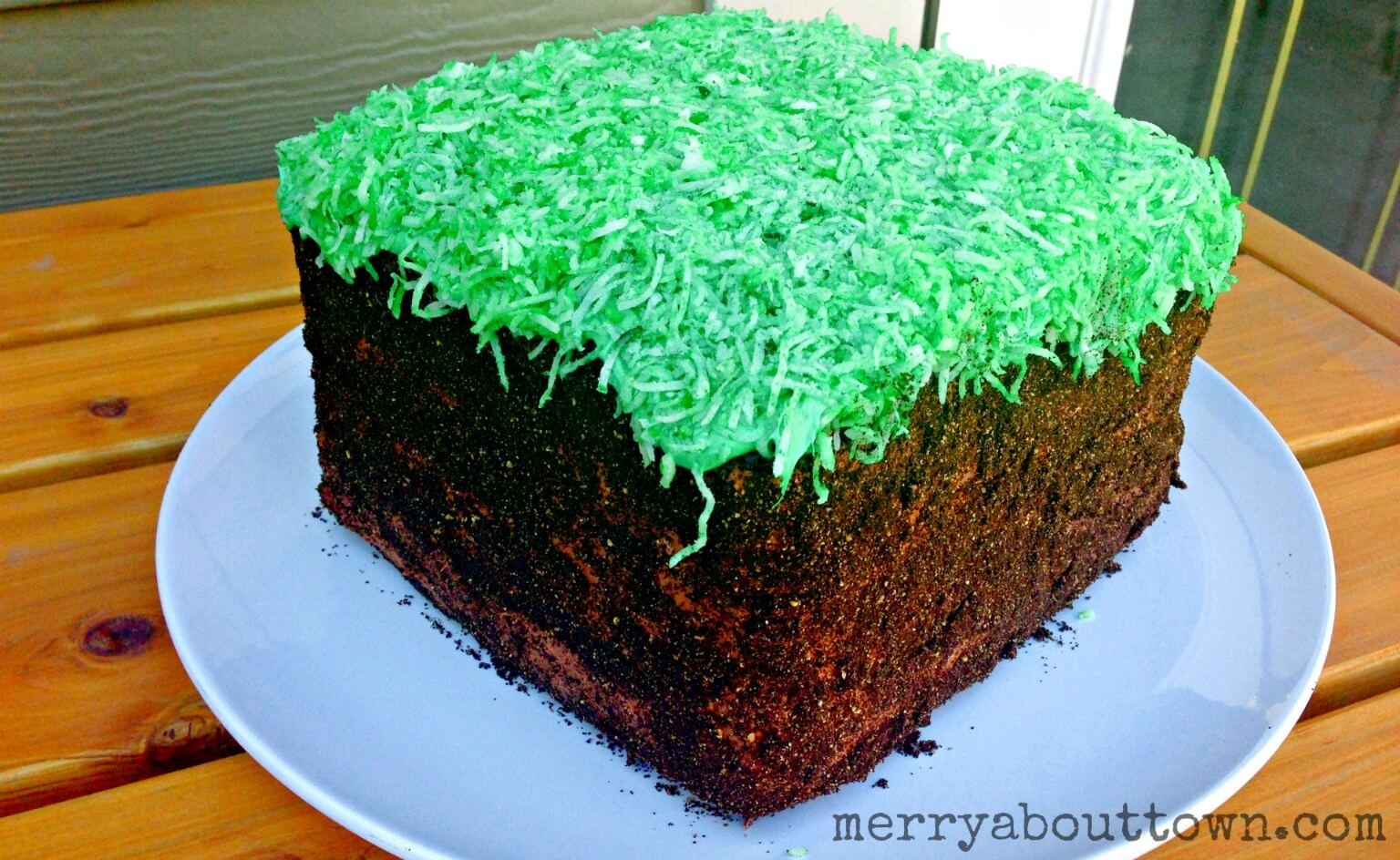 Minecraft Block Cake Images : Minecraft Grass Block Cake Tutorial - Merry About Town