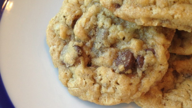 Oatmeal Chocolate Chip Cookies - Merry About Town