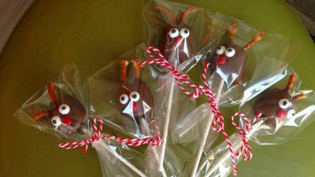 Reindeer all wrapped and ready to go - Merry About Town