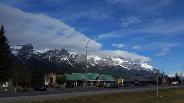 canmore-alberta-700x394