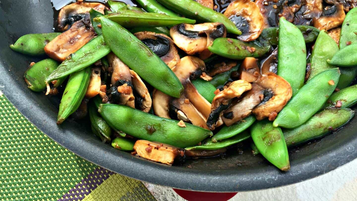 Snap Peas and Mushrooms in Black Bean Sauce