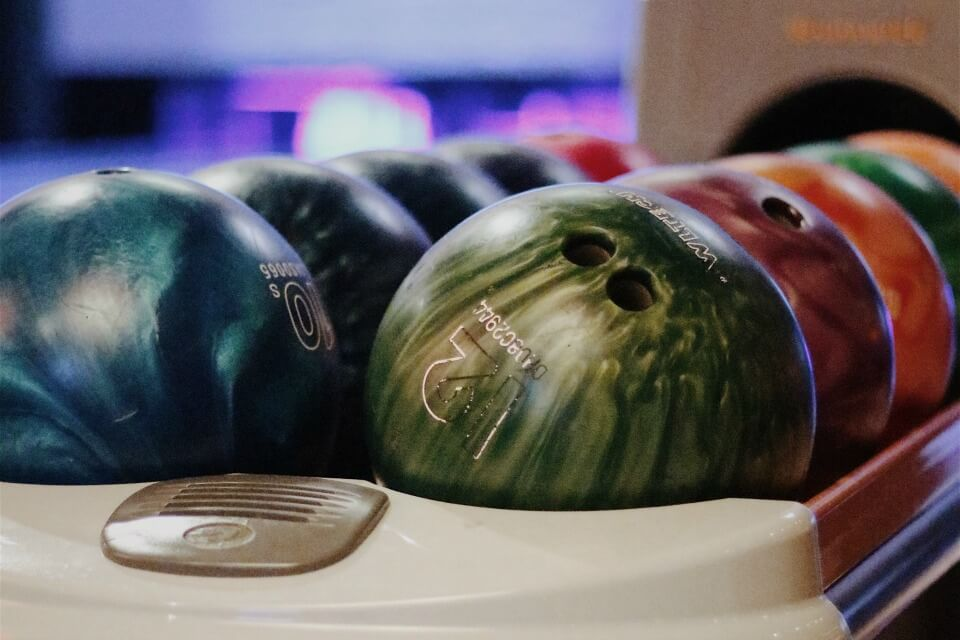 Calgary Bowling Birthday Parties