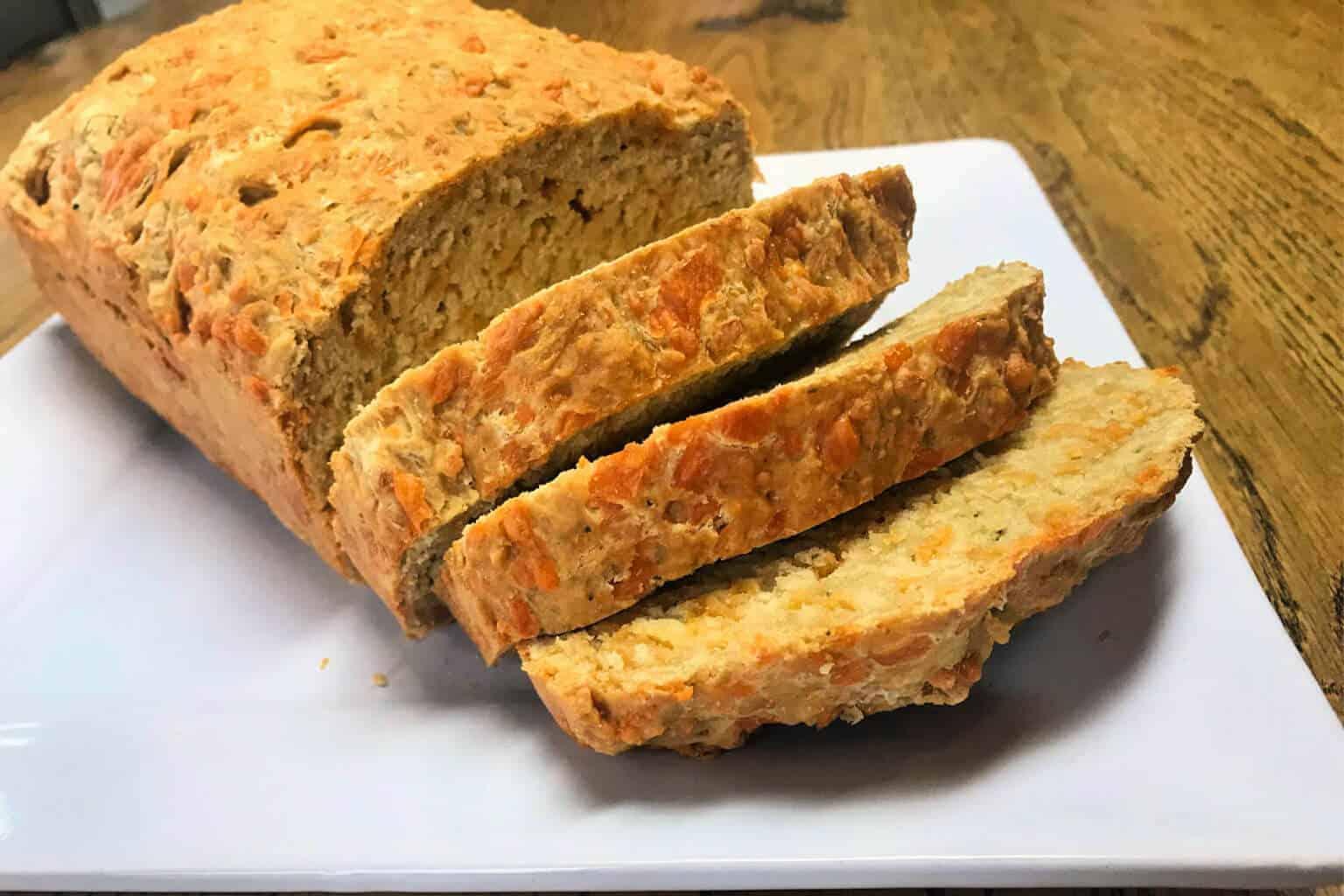 Cheddar Garlic Beer Bread