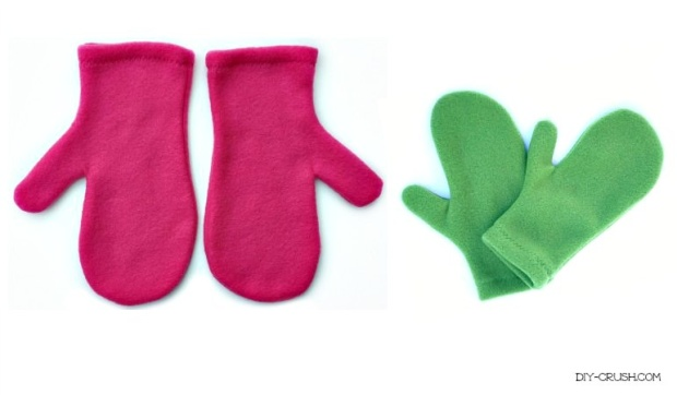 Free-Fleece-Mittens-Sewing-Pattern-at-DIY-Crush