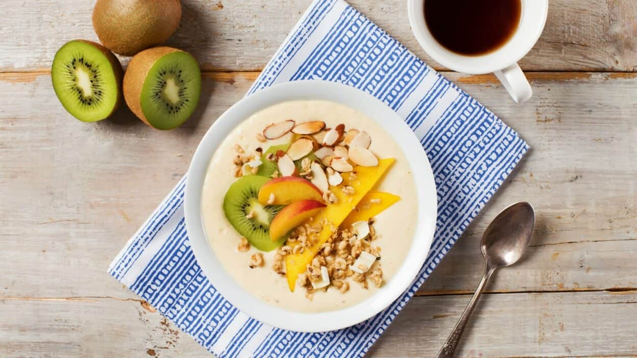 Coconut Chai Tropical Smoothie Bowl-008