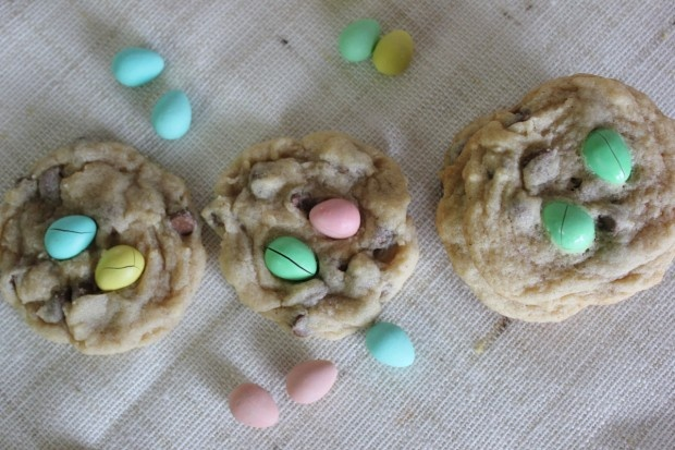 Easter-Egg-Cookies-620x413