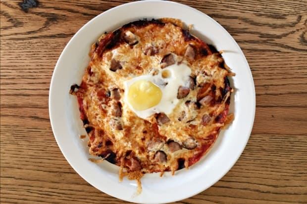 Sausage and Eggs Breakfast Pizza