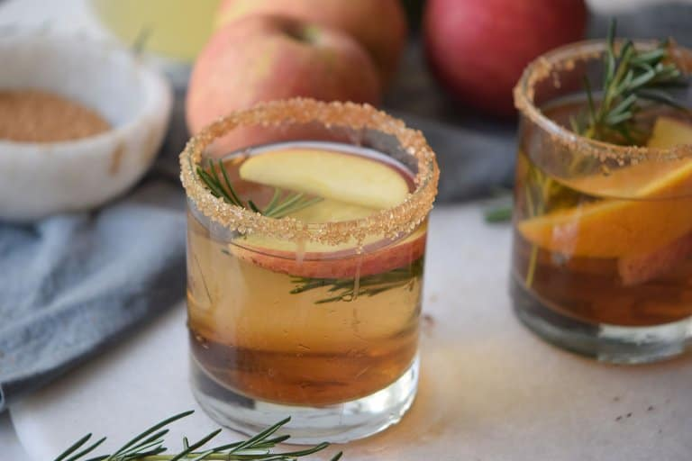Caramel Apple Pie Mocktail Recipe