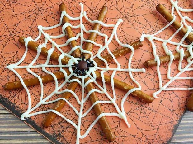 spider-web-pretzels5