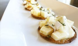 Easy, Delicious Brie, Apple and Thyme Melts Appetizers