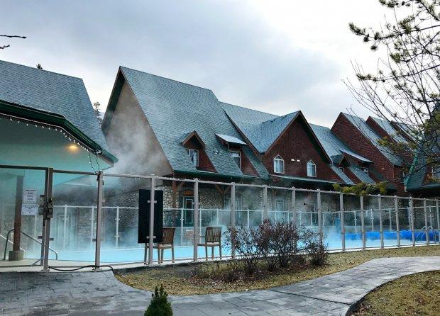mystic-springs-pool-and-hot-tub