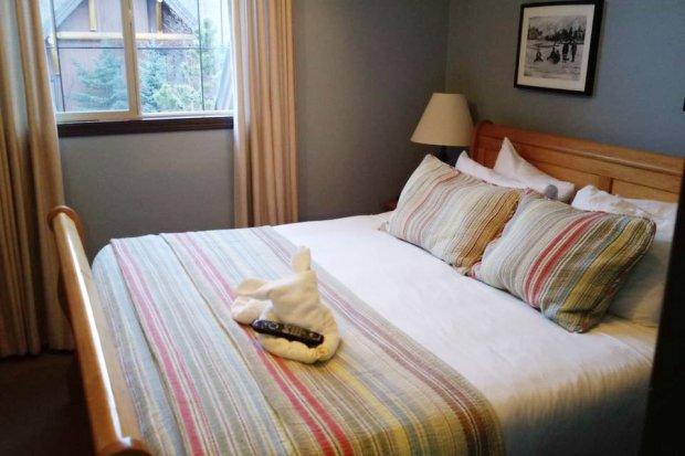 queen-bedroom