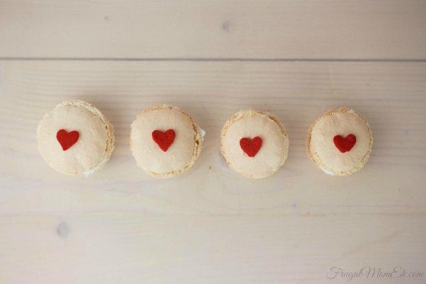 Valentine-Macarons-2-1024x682