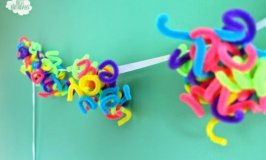 DIY Party Decorations: Rainbow Pipe Cleaner Garland