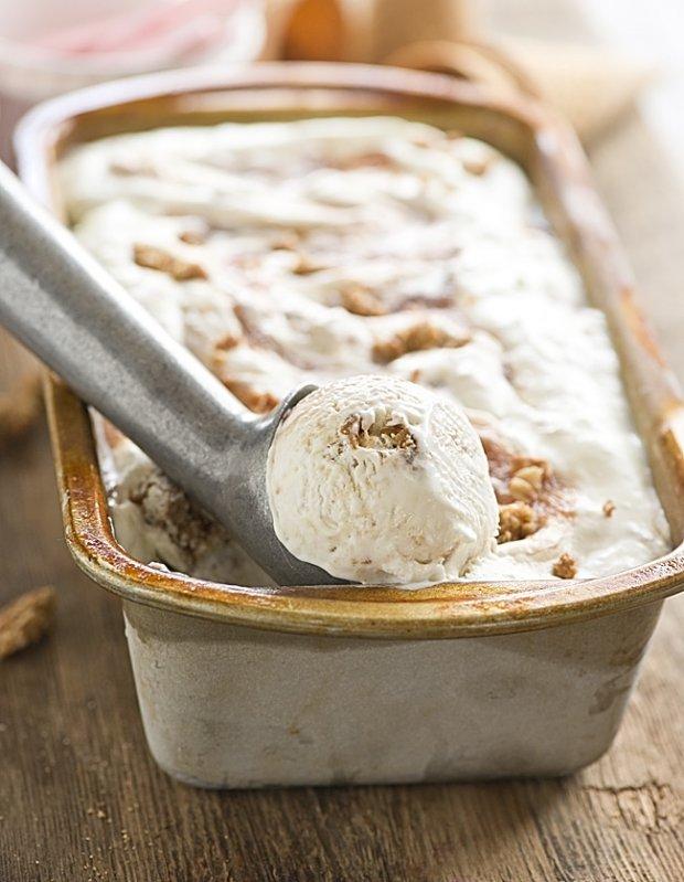 Rhubarb Crisp Ice cream