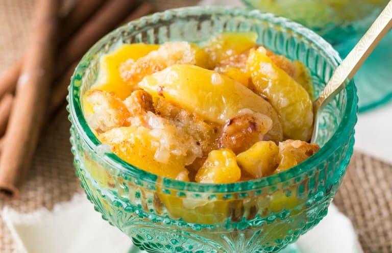 soul food Peach cobbler