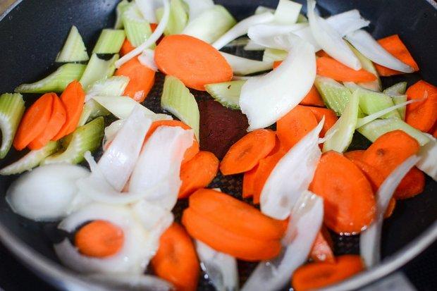 Stirfry the veggies