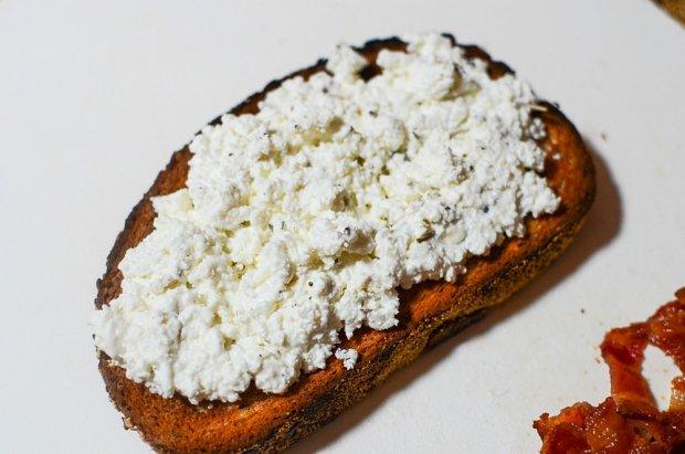 ricotta tomato panchetta toastie04