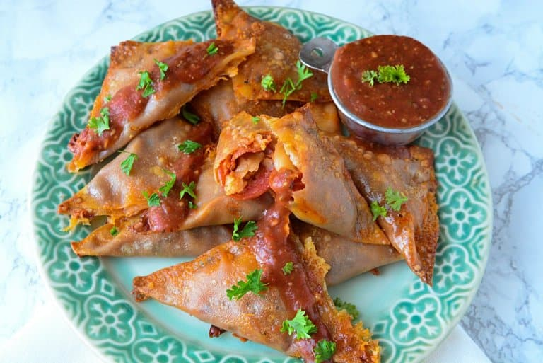 Pepperoni Pizza Triangles08