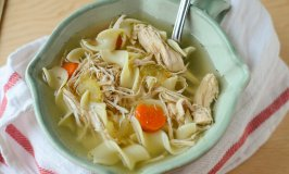 Simple Slow Cooker Turkey Noodle Soup – Perfect for Leftovers!