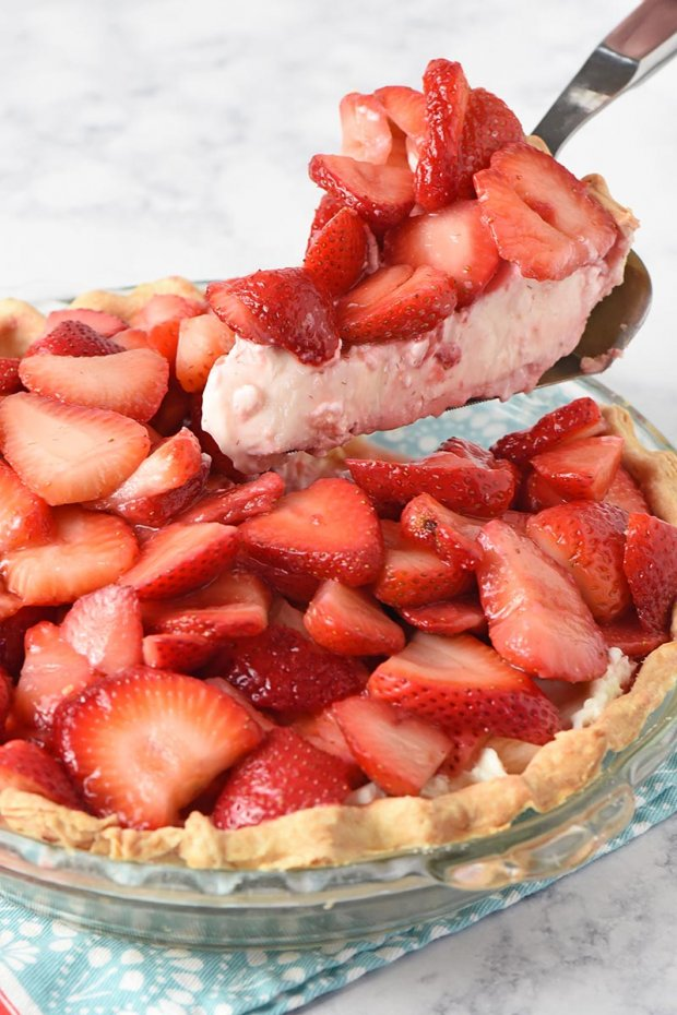 Strawberry-Cream-Pie-6