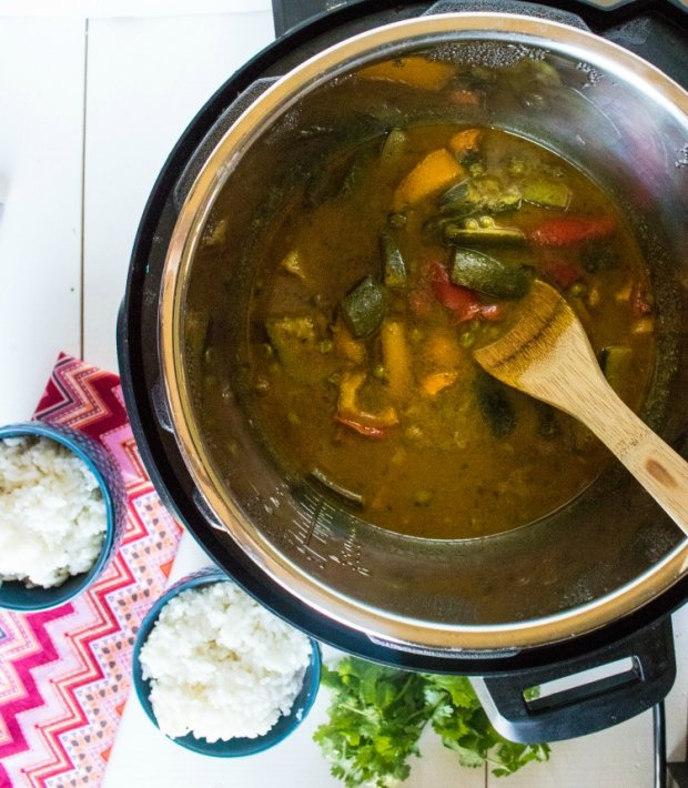 Veggie Curry in the Instant Pot