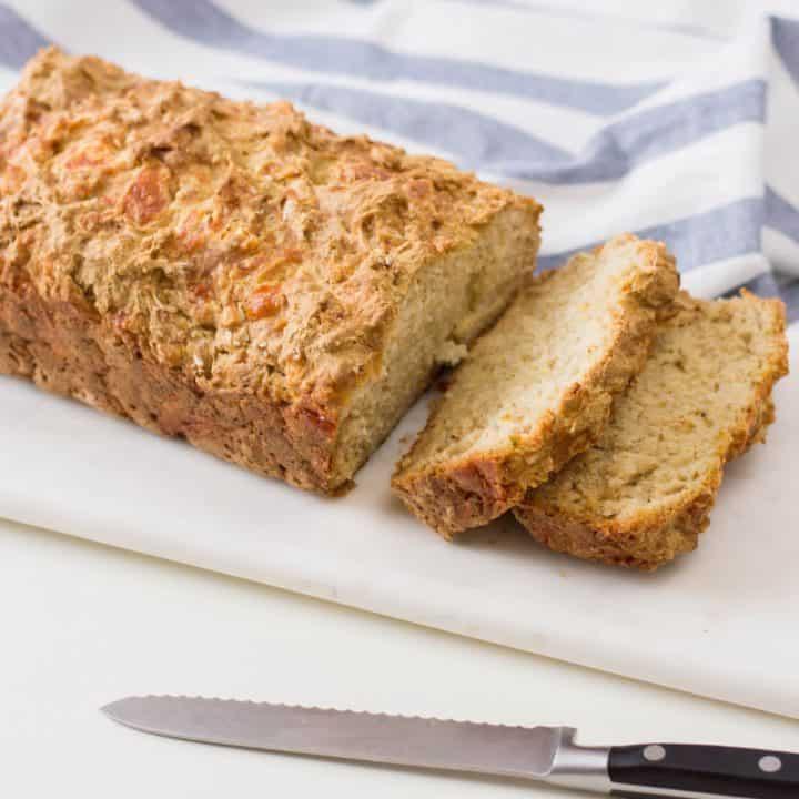 Cheddar Garlic Beer Bread (1)