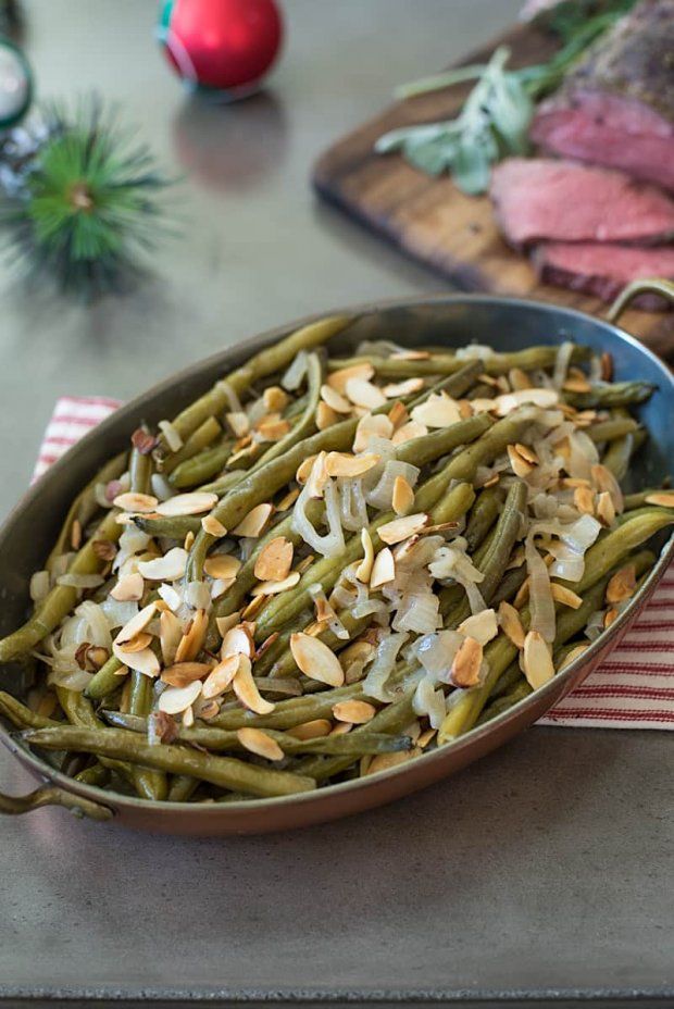 Slow-cooker-green-beans-with-shallots-and-almonds-7