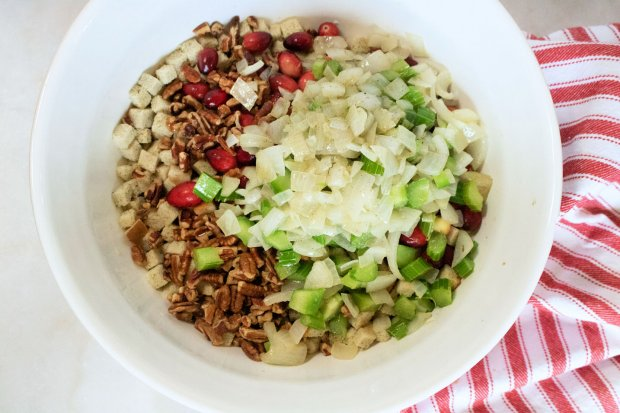 Mix cranberry stuffing together