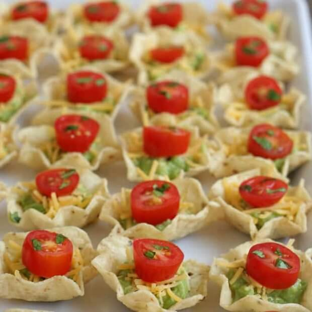 Chip-Guacamole-Cheese-Tomato-appetizers