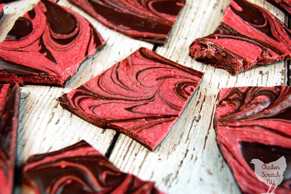 chocolate-strawberry-bark
