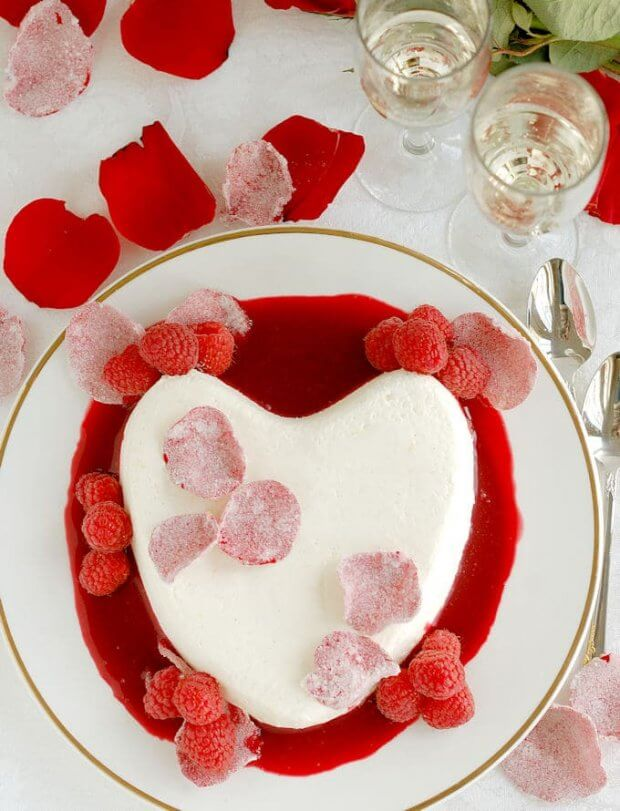 coeur-la-creme-with-raspberry-rose-sauce