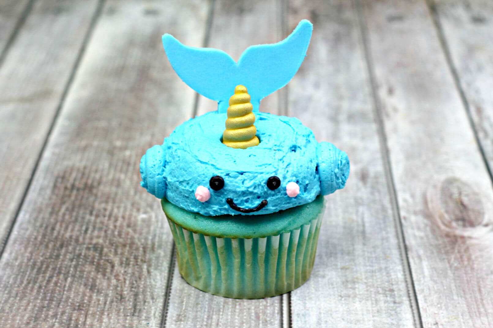 Narwhale Cupcakes with tail