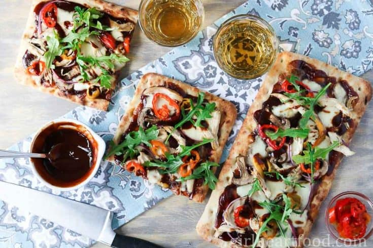 BBQ Chicken Flatbread Pizza Recipe {Made in 15 Minutes}