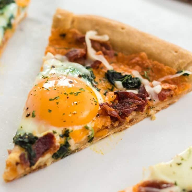 Bacon & Spinach Breakfast Pizza