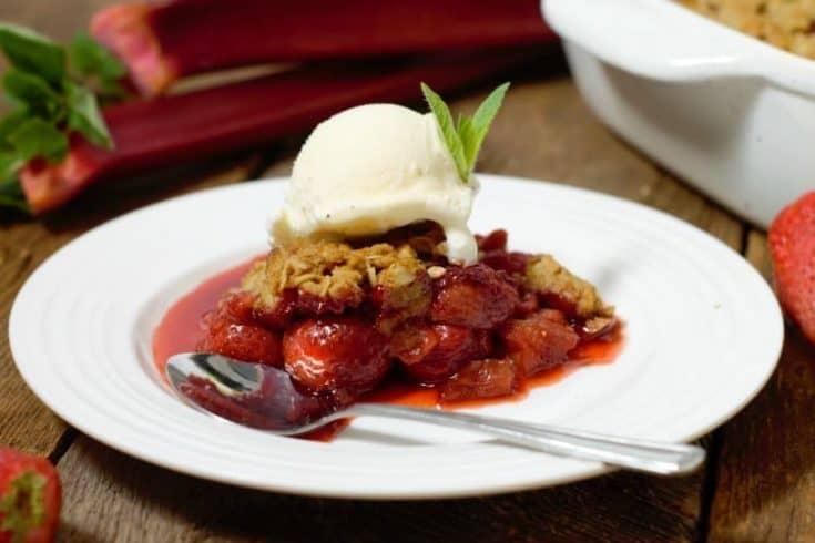 Classic Strawberry Rhubarb Crumble