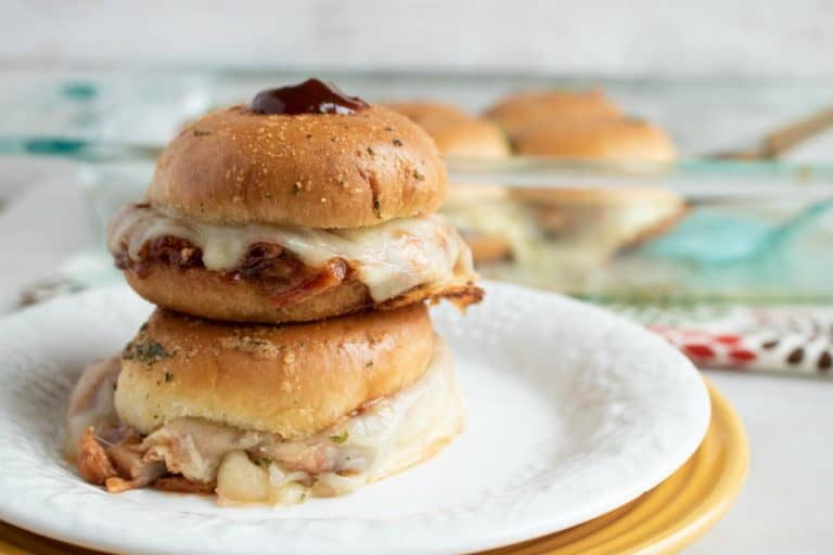 delicious-bbq-chicken-with-melted-provolone-on-slider-buns