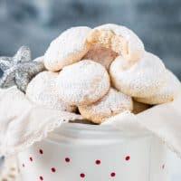 Cashew Snow Cookies