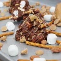 No bake cookie recipe: chocolate peanut butter pretzel haystacks