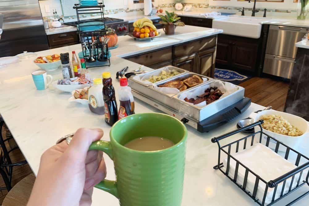 Breakfast at de la Bleau bed and breakfast