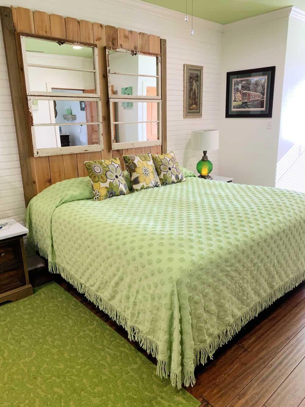 The Vert Room at de la Bleau bed and breakfast