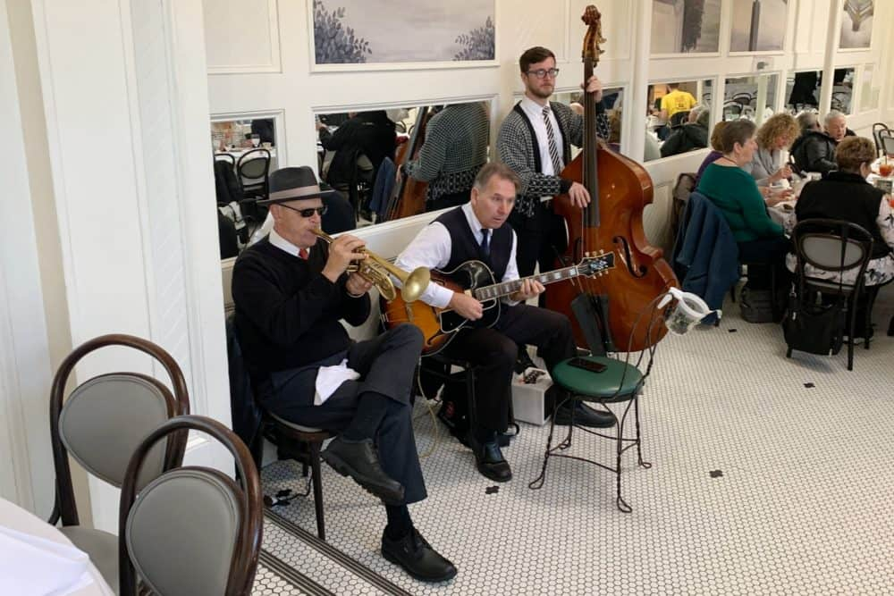 Jazz Trio at Court of Two Sisters