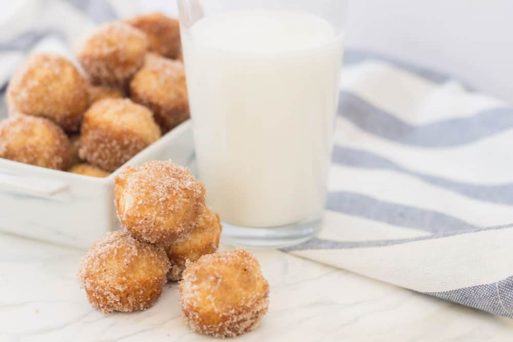 Cinnamon-and-Sugar-mini-donuts