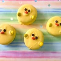 Easter Oreos: Chocolate Covered Oreos That Look Like Little Chicks