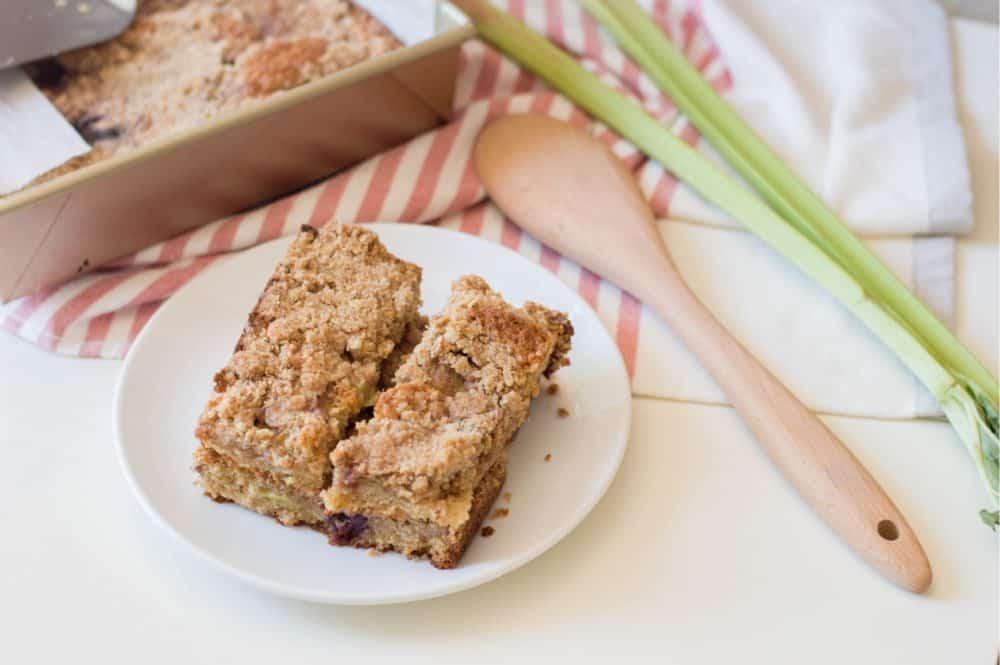 rhubarb cherry oat bars