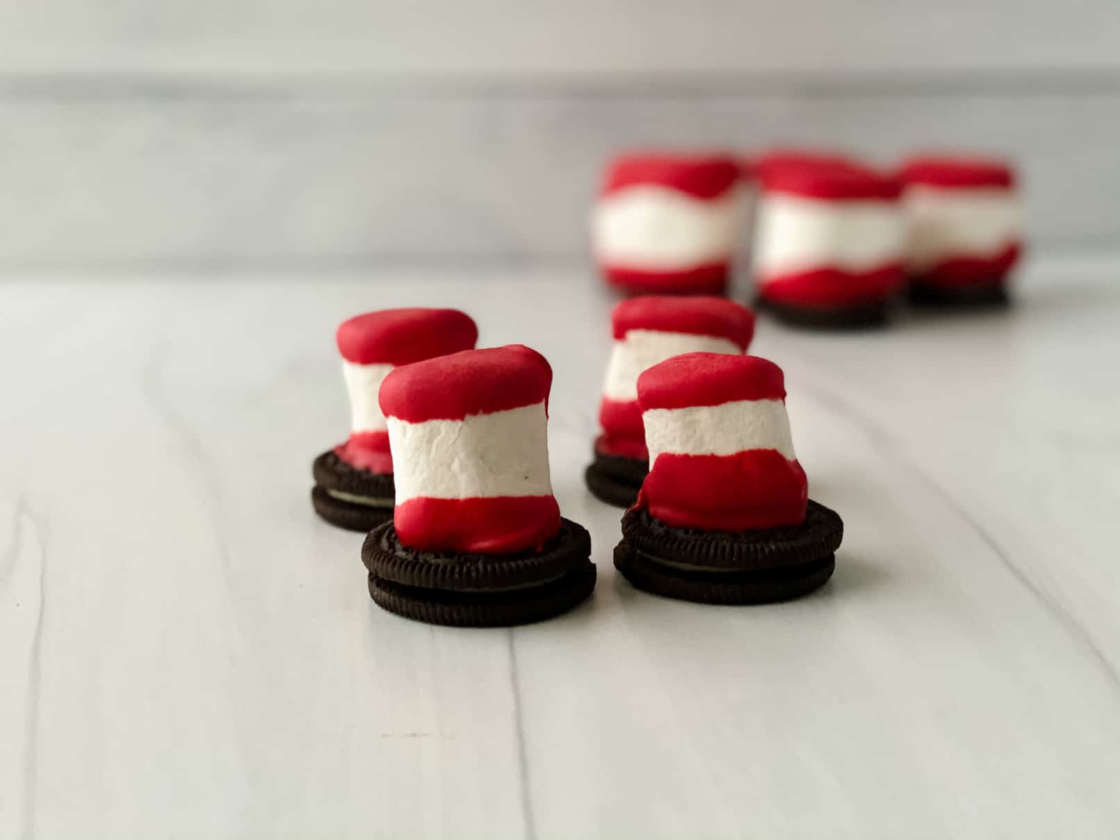Dr-Seuss-Marshmallow-Hats-fin-2