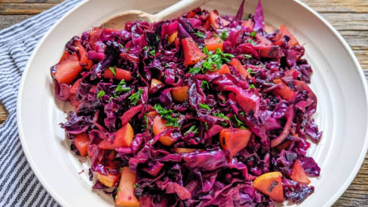Sweet and Sour Red Cabbage with Apples